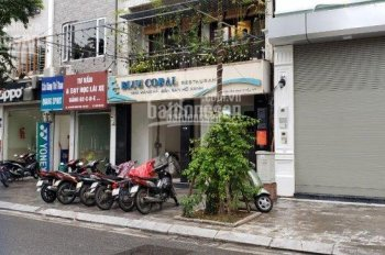 Cho thuê nhà phố Lò Đúc, DT 100m2, MT 4.2m, giá 25tr/th. Liên hệ: A Đạt 0349828357