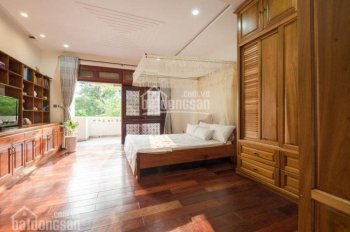 Cần bán nhà mặt tiền đường 30/4, quận Hải Châu, nhà 4 tầng gồm 11 phòng đang cho thuê