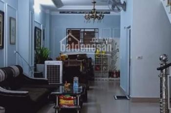 Nhà Cổ Linh, gara, ngõ ô tô, cách 10m ra mặt phố, 65m2x4T, MT 5.6m, giá 5.50 tỷ. 0967635789