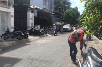 Cho thuê nhà đường Hoa Lan, P2, Q. Phú Nhuận, DT 8x18m. KC 1 trệt 3 lầu, giá 80tr/tháng cọc 3 tháng