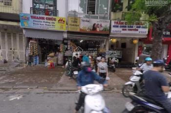 Nhà mặt phố Trần Xuân Soạn, DT 200m2, MT 20m, giá 120tr/th