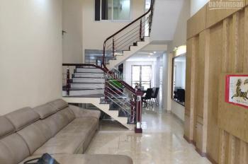 Chuyển nhượng căn nhà 3,5 tầng đường Nguyễn Thị Thuận