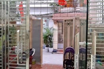 Chuyển nhượng căn nhà dân xây độc lập mặt ngõ đường Phương Lưu có sân cổng riêng biệt