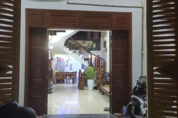 bán nhà dân xây 3 tầng , ngõ oto vào tận nơi tại trung tâm quận Lê Chân