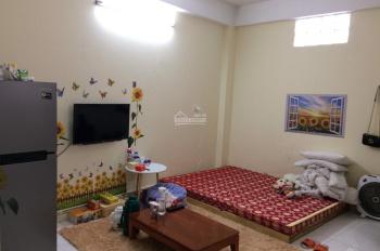 Cho thuê chung cư mini tại ngõ 68 Triều Khúc, DT 30m2 có điều hòa, nóng lạnh. Gần đường Nguyễn Trãi