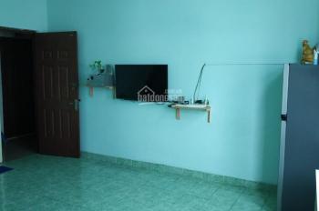 Cần bán gấp căn hộ chung cư ngay trung tâm thương mại Sóng Thần, 2 phòng ngủ. Liên hệ: 0909842486
