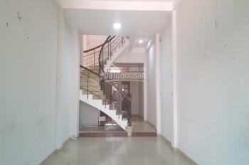 Cho thuê nhà hẻm HXH, 4x20m, 2 tầng, Sư Vạn Hạnh, Q. 10, 35tr / tháng