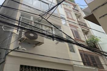 Sang nhượng nhà hẻm 3m, 4x14m, 3 tầng, Võ Văn Tần, Q. 3, 200 tr/tháng