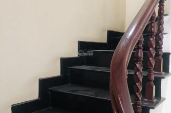 Cho thuê lâu dài nhà 3 tầng phố Nguyễn Trãi, quận Thanh Xuân, DT: 54m2 x 3 tầng, giá mùa dịch