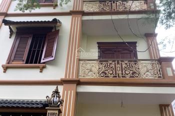 Tôi cần cho thuê gấp Biệt thự cực đẹp tại KĐT Dịch Vọng; 270m2 *  4 tầng; 50tr/1 tháng; 0816618618