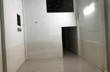 Cho thuê nhà đường Trịnh Đình Trọng, P. Hòa Thạnh, Q. Tân Phú, DT: 4.5x22m, trệt, lầu, giá: 10tr/1t