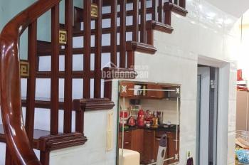 Nhà Vương Thừa Vũ, Thanh Xuân, kinh doanh sầm uất