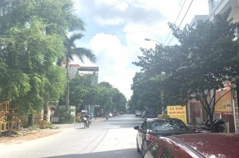Bán gấp lô đất mặt đường Café 12H, Thiên Lôi, Vĩnh Niệm.