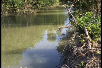 Cần bán đất giáp rạch nước như ảnh, giá chỉ 770 nghìn/m2, đường ô tô