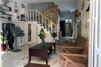 Chính chủ bán gấp nhà trổ ra Him Lam, phường Tân Hưng, Quận 7. LH: 0909648653