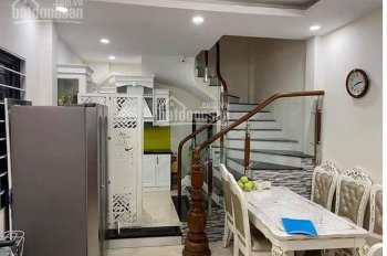 Chính chủ bán nhà 5 tầng dt 25m2, Đội Cấn, để lại toàn bộ nội thất, 2.35 tỷ, 0964611394