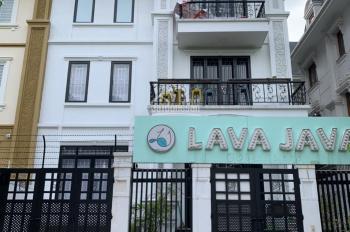 Cho thuê biệt thự Phạm Văn Đồng diện tích 130m2 xây 5 tầng, thang máy, 40tr/ tháng