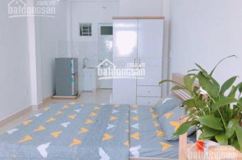 Cho thuê căn hộ dịch vụ 5 phút đến trung tâm quận 1, 1 phòng ngủ cao cấp, 25m2, chỗ nấu ăn, 4.6tr