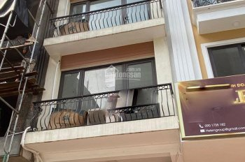 Cho thuê nhà Dương Khuê ngõ ô tô, 7 tầng, DT 45m2, MT 4m, giá 30tr/th. LH A Phương 0976 623 955