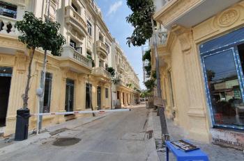Kẹt tiền bán gấp căn nhà phố Tân Phú - kiến trúc cổ điển Pháp