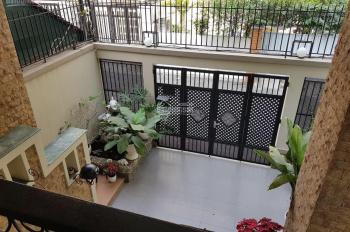 Cho thuê nhà làm khách sạn, spa P. Bến Thành, Q1. DT: 4,5x20m trệt 4 lầu TM 12 phòng giá 60tr/th
