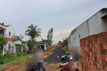 Vợ chồng tôi cần bán miếng đất 608m2, đường Nguyễn Hoàng, gần đường Hùng Vương, Trảng Bom, Đồng Nai