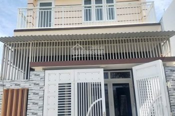 Chủ nhà cần tiền bán gấp nhà khu đô thị Hoàng Long, diện tích 80m2