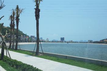 Tôi cần bán mảnh đất mặt đường Hùng Thắng, 320m2 mặt tiền 8m view Hồ Cái Dăm, giá 38 Triệu/m2