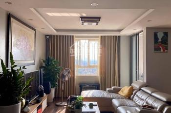 Bán căn hộ tầng trung 117m2, để lại toàn bộ đồ đạc nội thất, chung cư 230 Lạc Trung, giá tốt