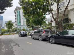 Cho thuê mặt bằng kinh doanh phố Dịch Vọng Hậu 220m2 mặt tiền 16m tặng ngay 1 tháng