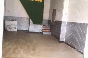 Cho thuê nhà 2 tầng mặt tiền Nguyễn Hoàng 4PN trống suốt