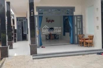 Cô Hà sang gấp căn nhà cấp 4 đường Dương Quảng Hàm, mặt đường lớn, sổ riêng, giá 2.1 tỷ, 0968397446