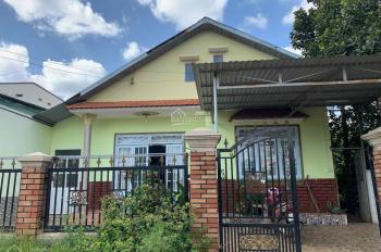 Cần bán gấp căn nhà cấp 4 nằm trong lòng KCN, DT 5x20m rộng rãi thoải mái, SHR