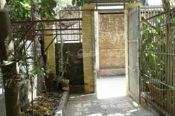 Nhà cho thuê gần Trần Não, P. Bình An, Q2, 4 phòng ngủ, 2 lầu, sân thượng, có sân: 0902.383.789