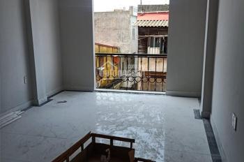 Căn nhà mới tinh đẹp nhất ngõ Chùa Hàng, kinh doanh thuận tiện