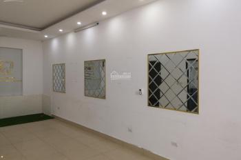 Cho thuê tầng 1 86m2 căn hộ gia đình tại quận Long Biên, Hà Nội