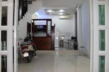 Vở nợ cần bán gấp căn nhà hẻm 4,5,m, hẻm thẳng, đường Nguyễn Tri Phương, P4, Q10. Giá 8,7 tỷ