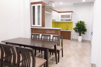 Cần bán nhà 5 tầng mới xây tại đường Lạc Long Quân, ngay cạnh Hồ Tây. LH chính chủ 0912289676