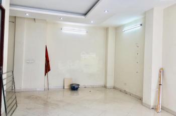Cho thuê nhà 3 tầng phố Nguyễn Trãi, quận Thanh Xuân, DT: 54m2 x 3 tầng, giá mùa dịch 34 tr/tháng