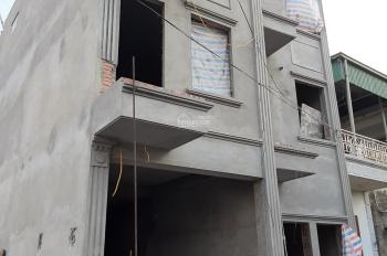 Bán nhà mới sổ đỏ 30,2m2 3 tầng Đông Dư, đường 4m ô tô vào nhà, sang tên ngay 250m ra cầu Thanh Trì