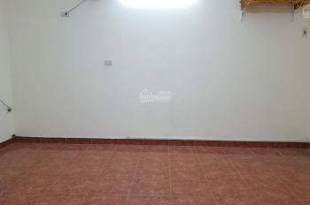 Chính chủ cần bán nhà tập thể tầng 1 mặt ngõ phố Vạn Phúc, Ba Đình