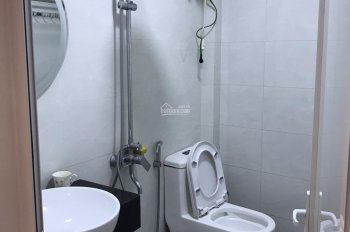 Cho thuê gấp nhà ở ngõ Thái Hà, DT: 65m2 x 5T, MT: 5m, 8 phòng khép kín, GT: 25tr, LH: 0903215466