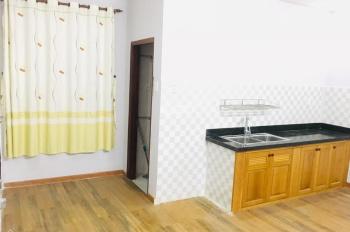 Cho thuê căn hộ 1 phòng ngủ, 50m2,  5-5.5tr/tháng ngay Lăng Cha Cả, Q.Tân Bình