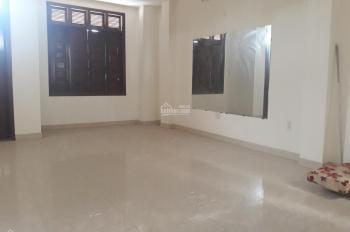 Cho thuê nhà 3 tầng MT đường Hoàng Diệu, ngang 7,5m, 450m2 sàn, Tp Đà Nẵng