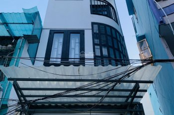 Bán nhà hẻm mới xây dọn vào ở ngay đường Cao Thắng, ngay trung tâm Quận 3, khu vực an ninh yên tĩnh
