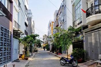 Đất đẹp, đường ô tô 8m, cách Nguyễn Duy Trinh 30m tại Q2