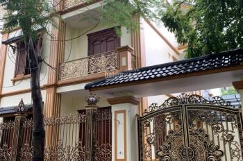 Cho thuê biệt thự mới, đẹp tại KĐT Dịch Vọng 202m2 * 4 tầng mặt tiền 15m, giá 65tr/th 0985030081