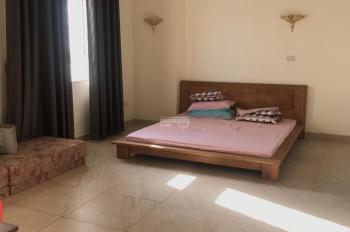 Hot, cho thuê chung cư 187 Tây Sơn, 120m2, 3 ngủ đồ cơ bản 11,5 tr/th. LH 033 339 8686 vào luôn