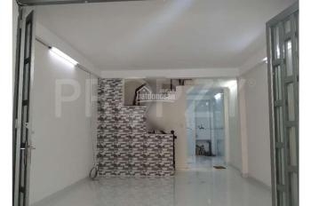 Cho thuê nhà 4 phòng ngủ đường Bạch Đằng, P2, Tân Bình