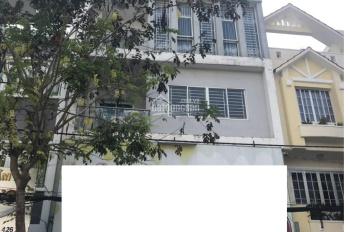 Cho thuê nhà làm văn phòng MT đường Cửu Long, Cư Xá Bắc Hải, P. 15, Q. 10 - DT 8x12m nhà 5L, 65 tr